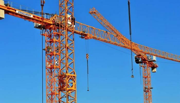 crane-2511302_1920.jpg