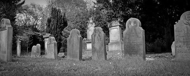 tombstone-2254373_640.jpg